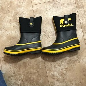 Sorel black and yellow waterproof boots size 2